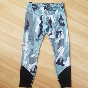 Pants - Never worn Camo leggings